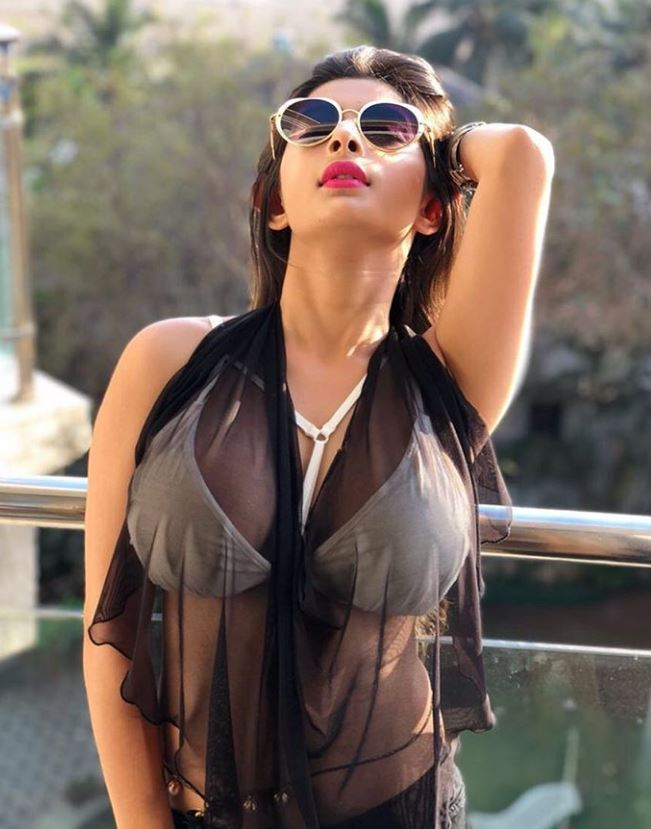Ankita dave hot images and instagram