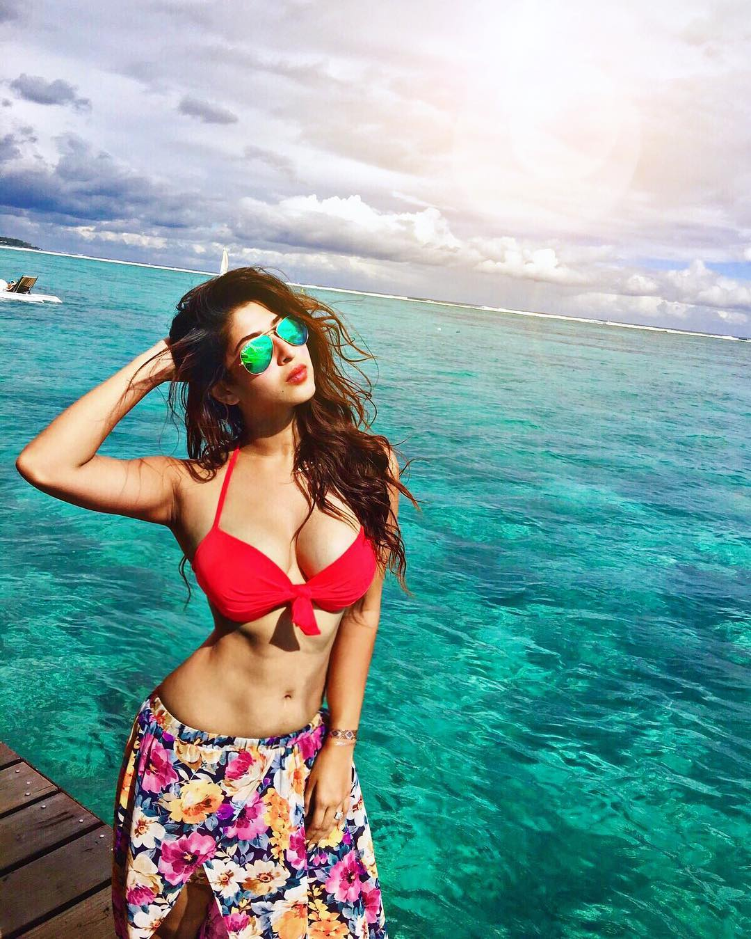 Sonarika Bhadoria Hot Photos Instagram Sexy Pics