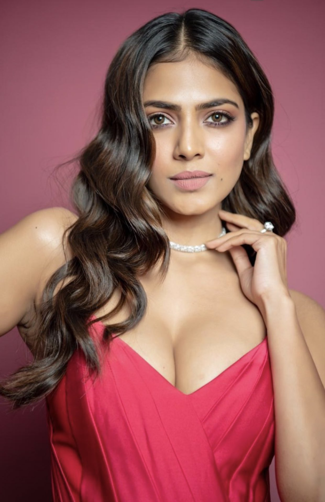 malavika mohanan hot photos wallpapers