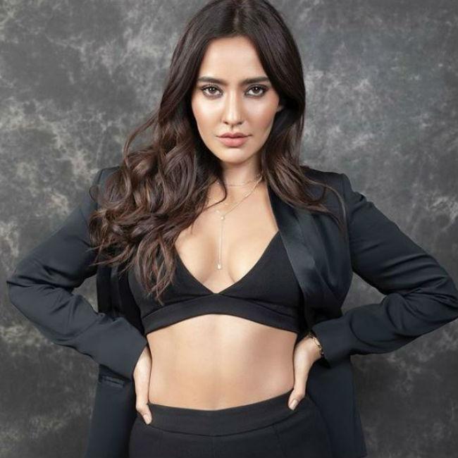 bollywood actress neha sharma instagram hot photos