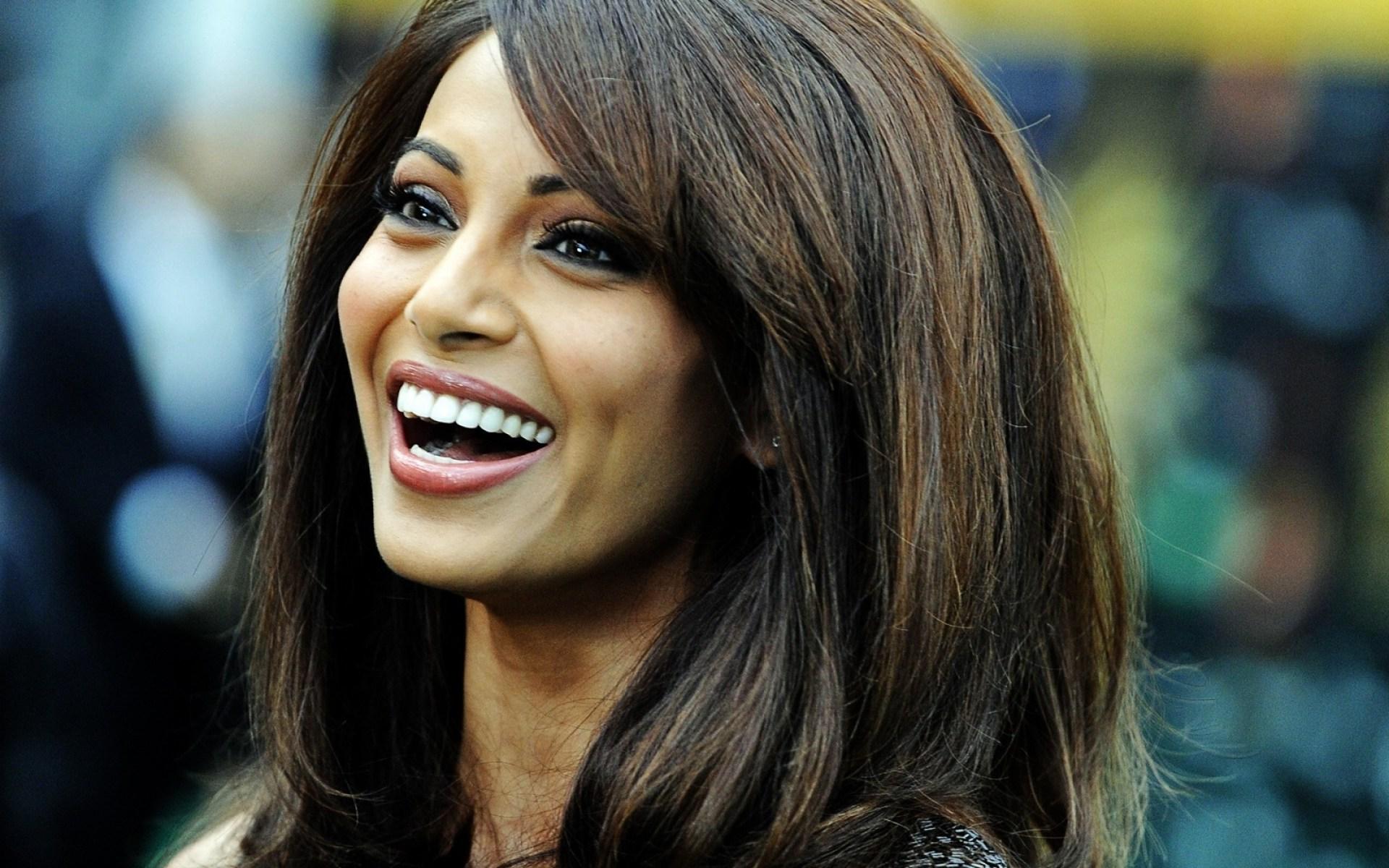 bipasha bahu hot actress and model instagran