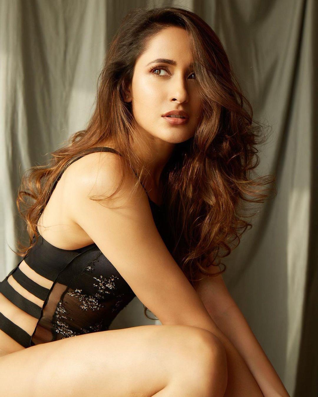 actress pragya jaiswal