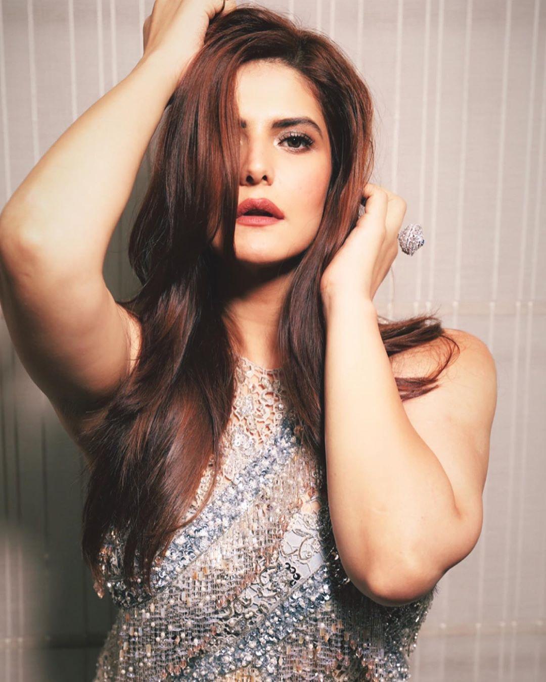 zareen-khan-hot-photos1