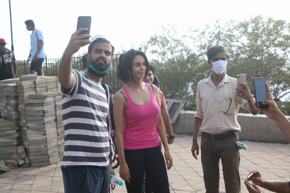actress Mallika Sherawat hot photos