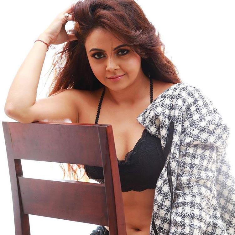 Devoleena-Bhattacharjee-showing-off-her-badass-attitude-in-her-latest-photoshoot