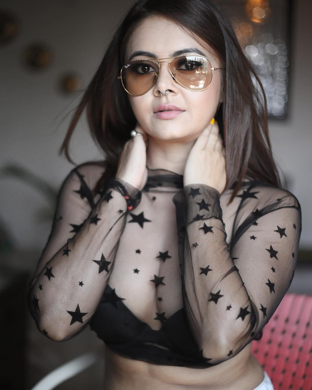 Devoleena Bhattacharjee Hot Photos: गोपी बहू ने शेयर की बिकिनी फोटो