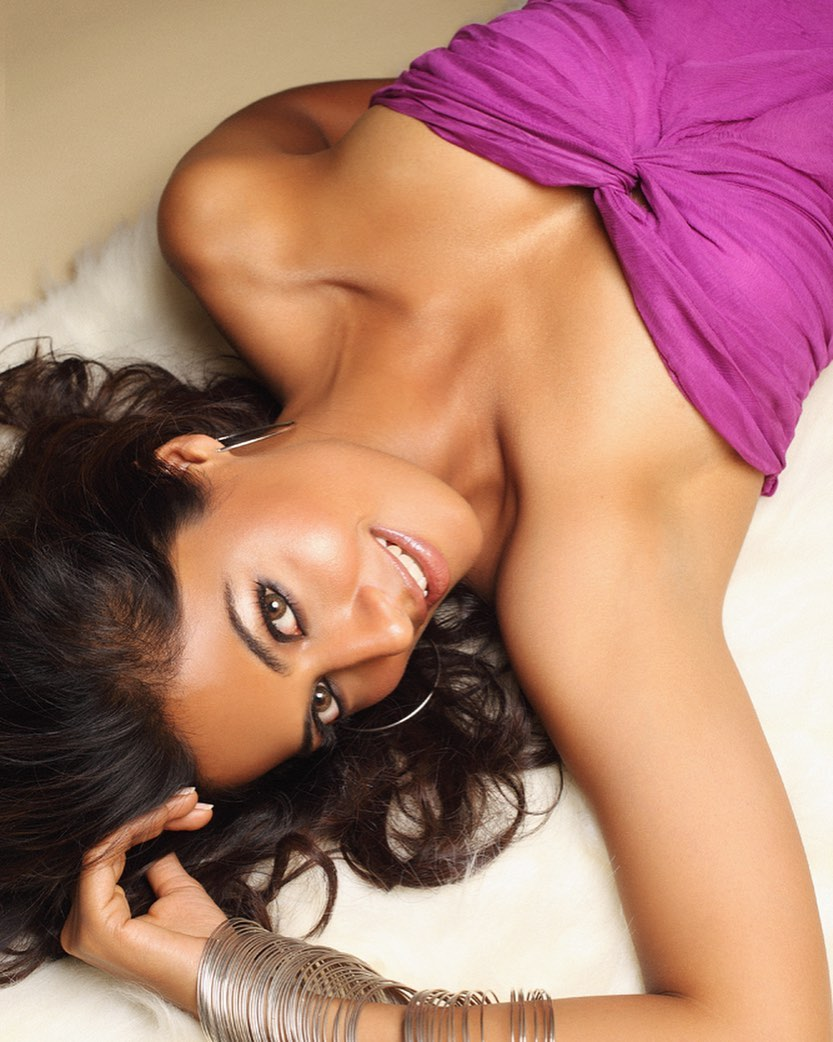 Actress Chitrangada Sexy Pics