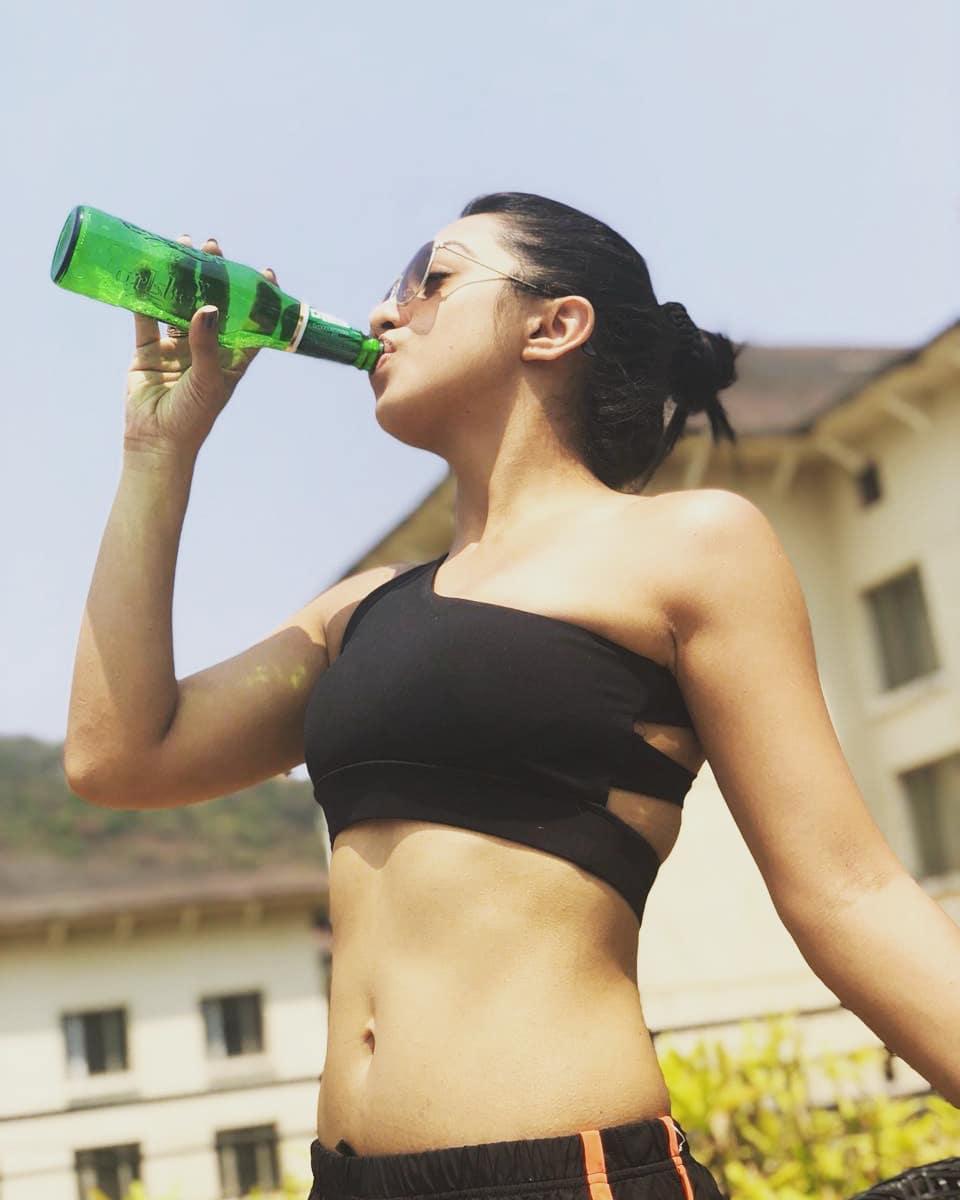 Abigail Jain Hot Pics