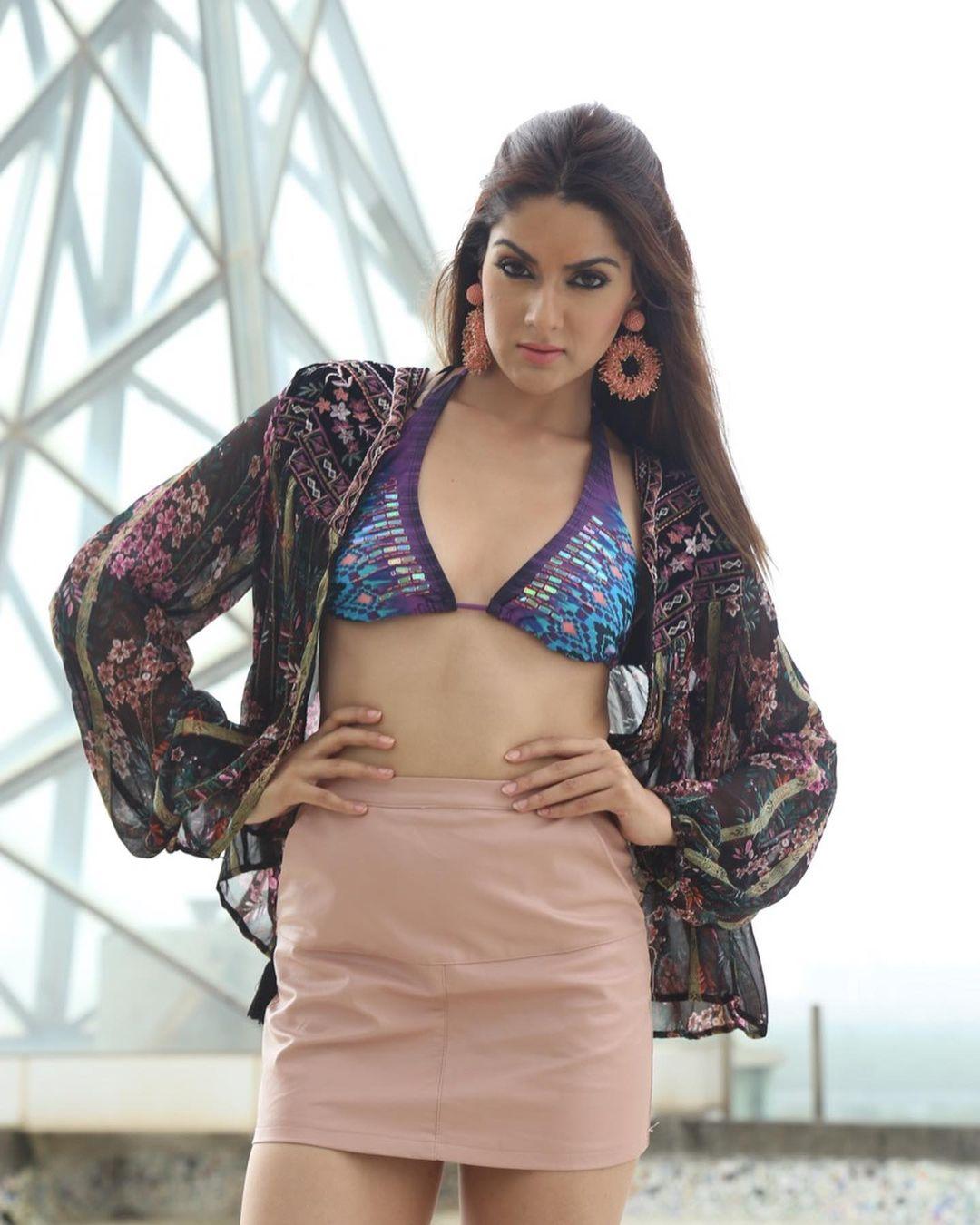 Actress Sakshi Chaudhary